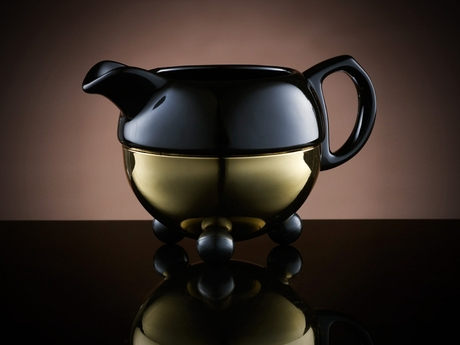 Design_Creamer_Bowl_in_Black_and_Gold