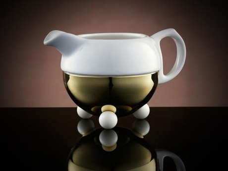 Design_Creamer_Bowl_in_White_and_Gold