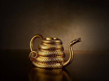 Sahara_Teapot_in_Gold
